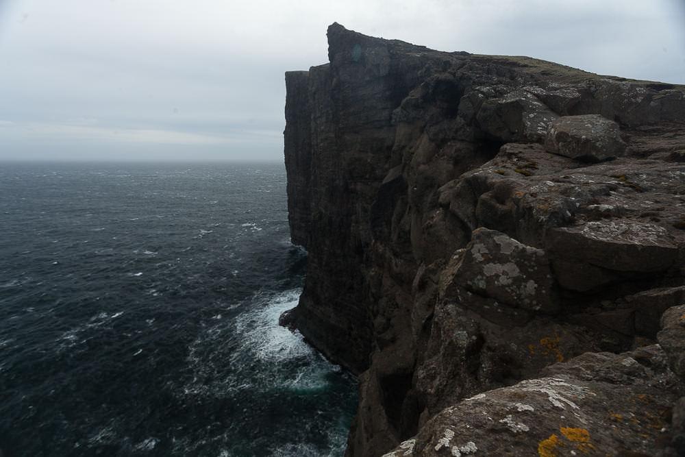 Färöer Inseln Klippe