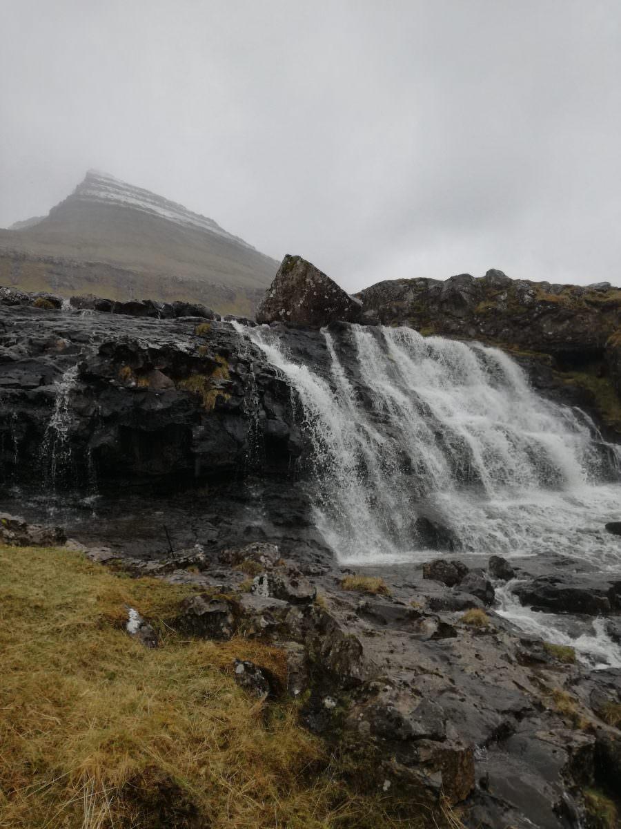 Blámarkarsá Wasserfall Färöer Inseln