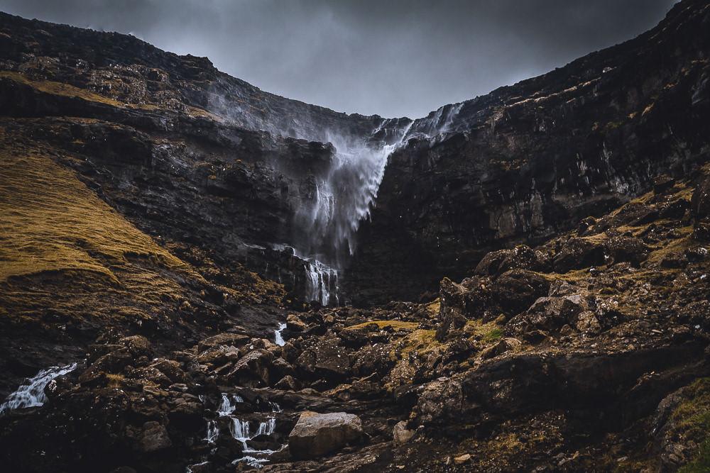 Fossá - Wasserfall Haldarsvík, Färöer Inseln, Fotospots auf den Färöer Inseln