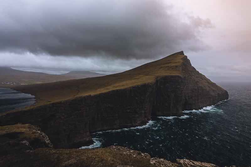 Trælanípan, die berühmte Steilklippe, Färöer Inseln, Vágar, Fotospots auf den Färöer Inseln